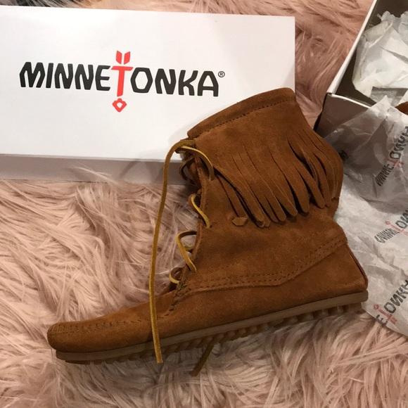 Minnetonka Shoes Minnetonka Tramper Ankle Hi Boots Poshmark